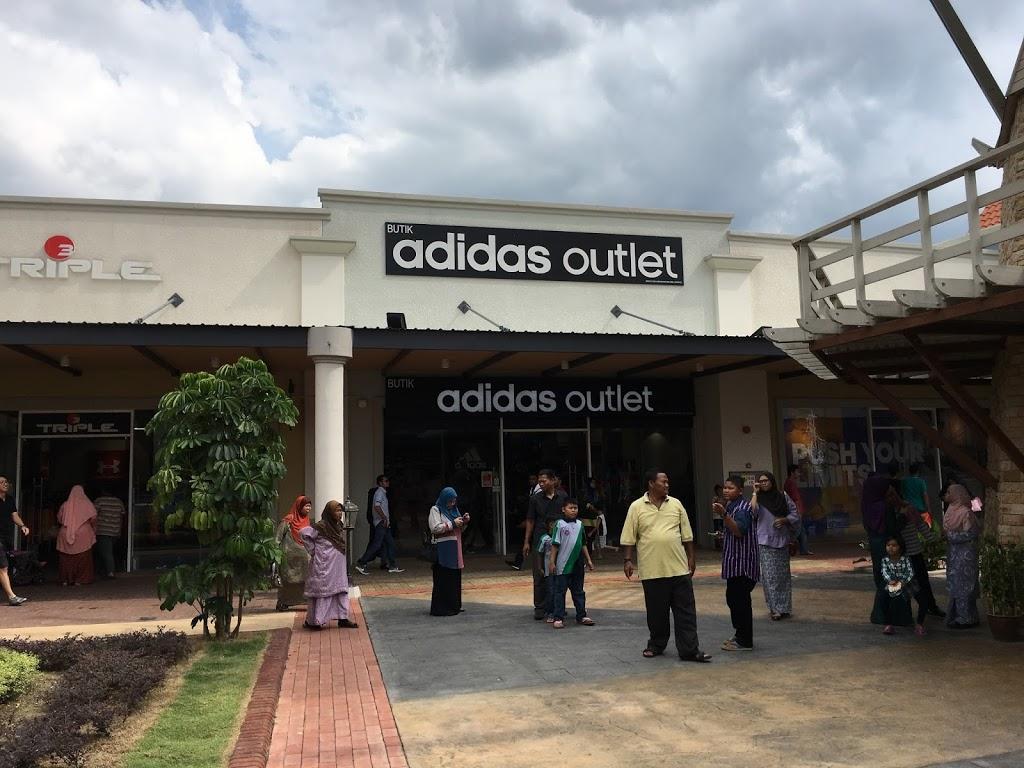 Melaka Premium Outlet : Satu kepuasan bagi 'shoppaholic'