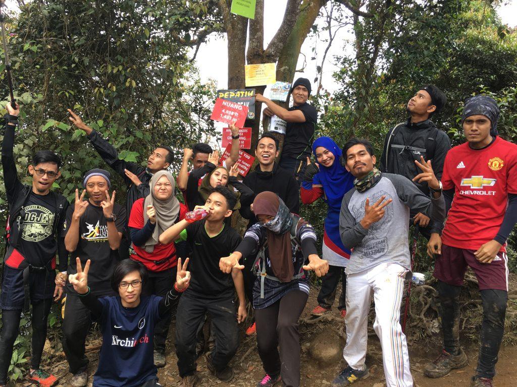 Gunung Nuang : Hiking dengan Afiq Halid