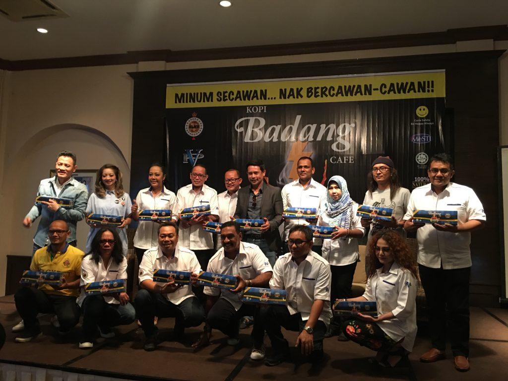 Artis yang turut hadir semasa majlis pelancaran Kopi Badang Cafe