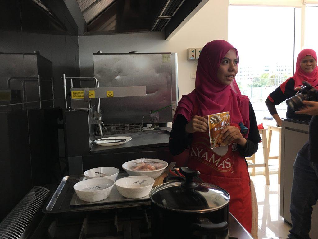 Pes dan Sos Sedap Keluaran Ayamas Kitchen