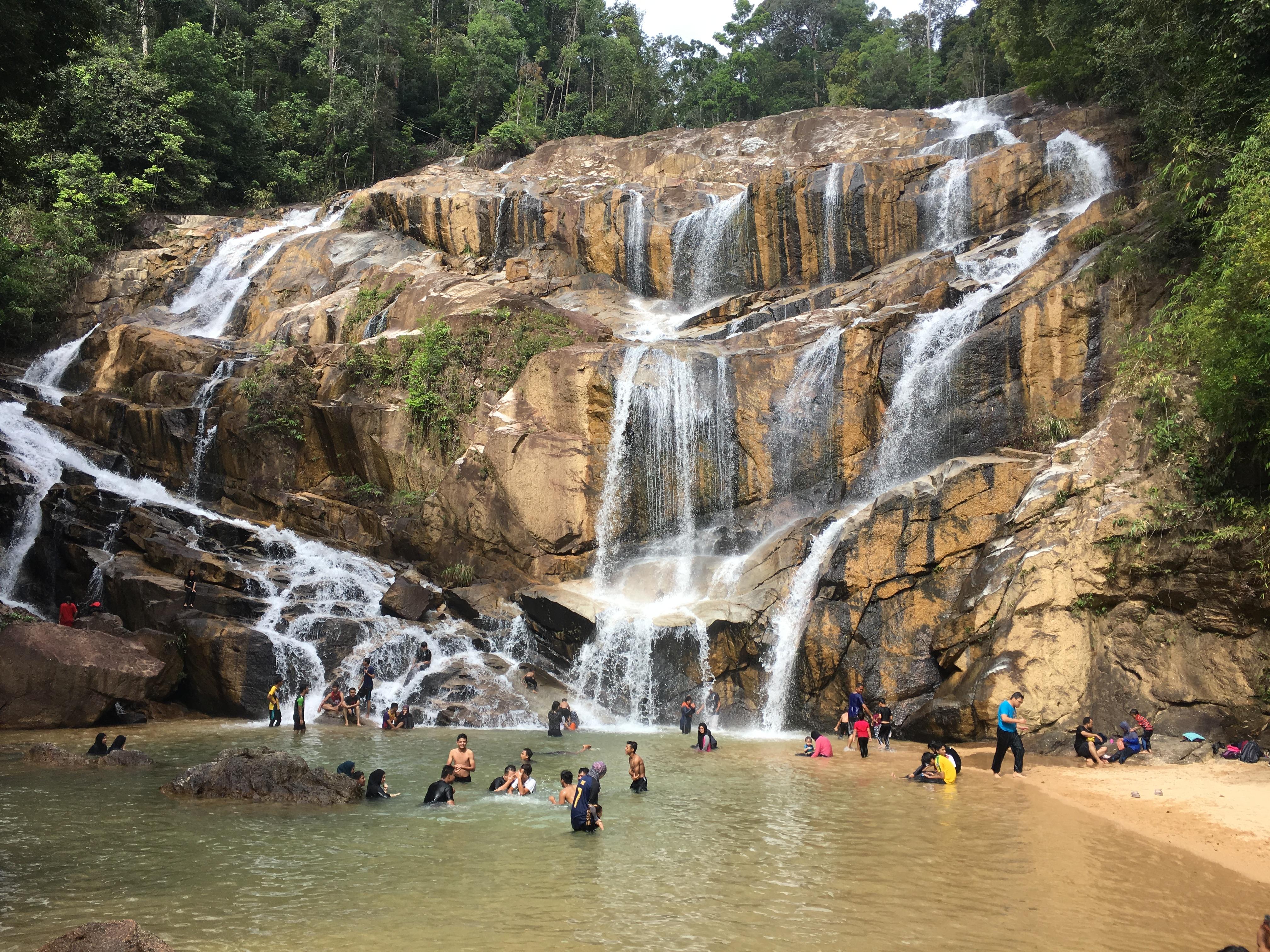 Keseronokan di Air Terjun Sungai Pandan Kuantan Pahang