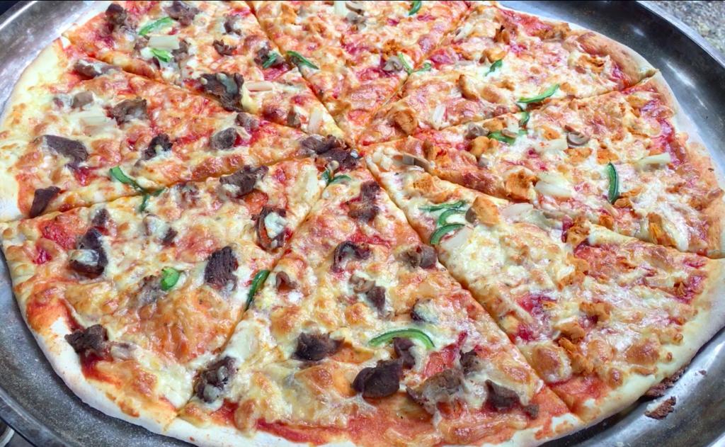 Pizza XXXL di Seni Bidadara Pizza Rajawali Art Galeri Kuantan