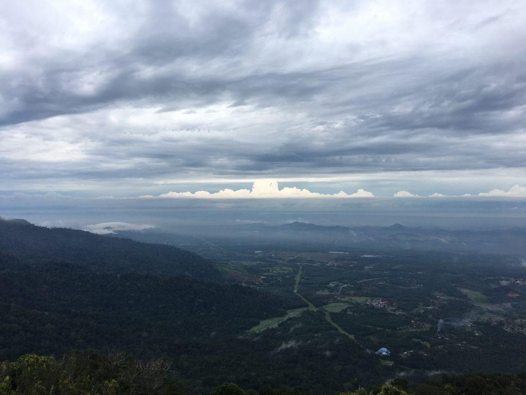 Hiking di Gunung Datuk Rembau Negeri Sembilan