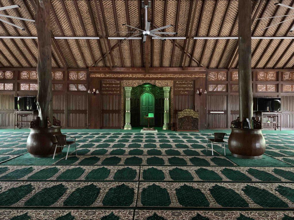 Masjid Ar Rahman Kelantan bahagian dalam